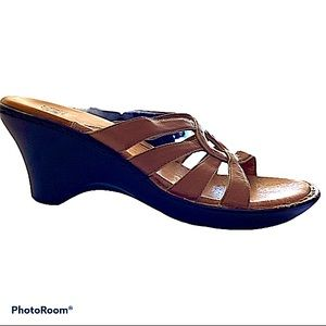 Sofft Tan Wedge Slip On Strappy Leather Sandals 9N